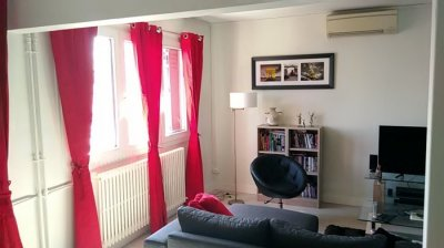 Living room, book/dvd corner