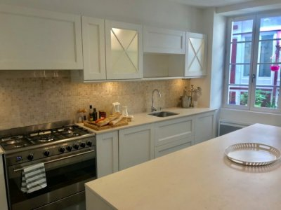 Lovely chef's fitted kitchen