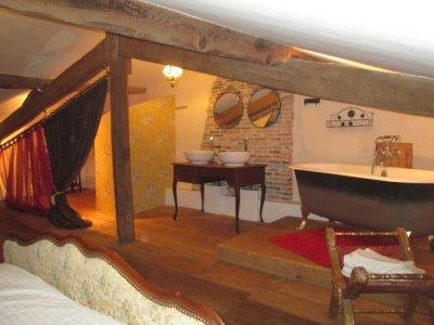A-Frame Master Bedroom Roll Top En-Suite