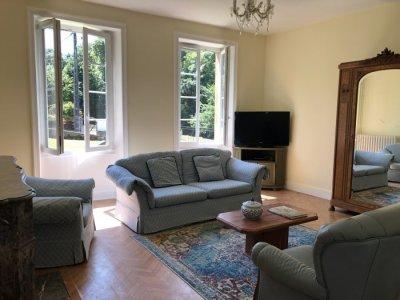 Large bright sitting room