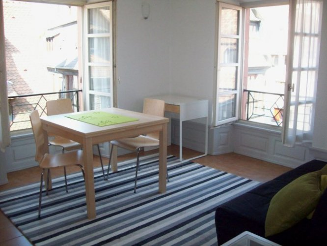 Charming 2 Roomed Apartment In Pee France