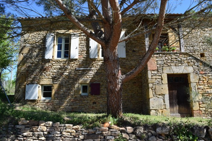 Stone Cottage with Private Fenced Garden and Pool