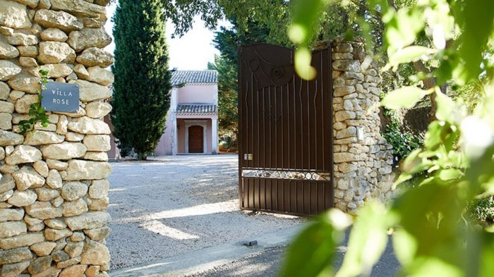 Luxury Apartment within Walking Distance of Uzès